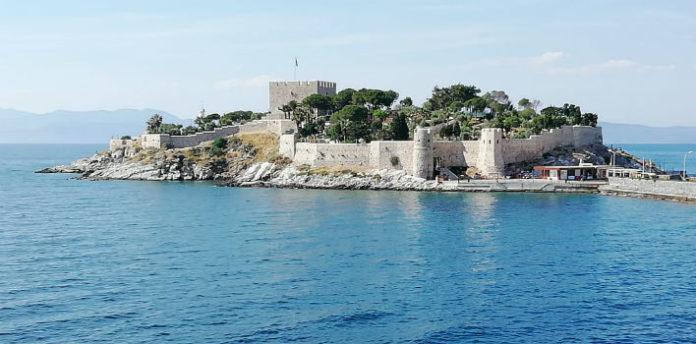 Крепость в Кушидасы фото