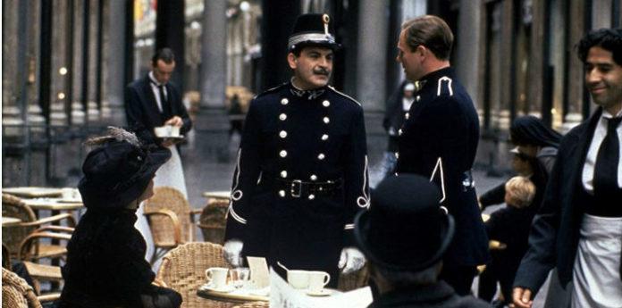 Пуаро служит полицейским в Бельгии фото