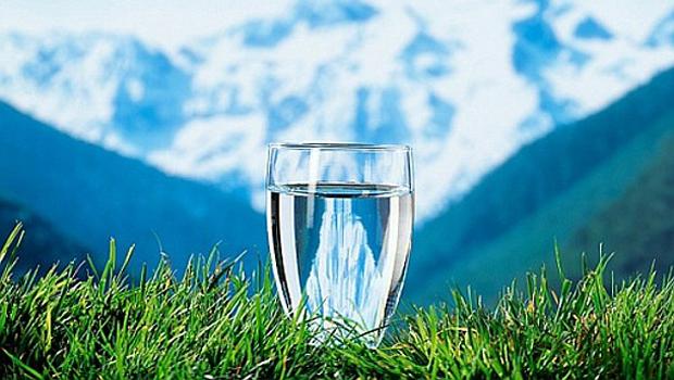 Сколько нужно пить воды в день? Зачем нужно регулярно пить воду, Полезные секреты