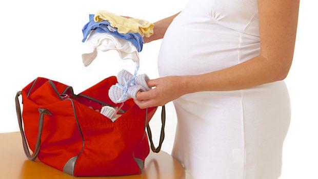 Какие вещи в роддом нужно взять с собой будущей маме?