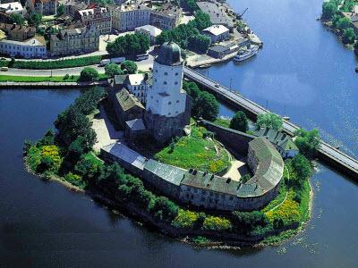 Знаменитая крепость в Выборге