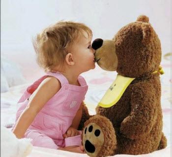 Стоит ли маленьким детям покупать мягкие игрушки?