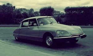 автомобиль citroen-ds в 1955 году